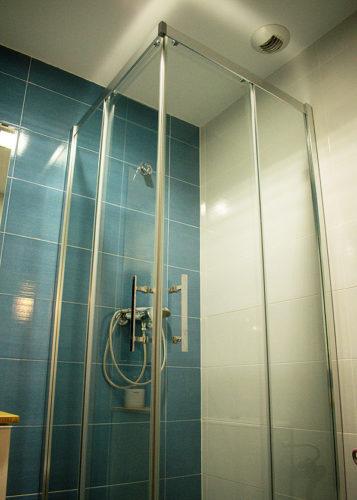 Mampara de ducha en esquina de puertas correderas NOVELLINI Kali AH photo review