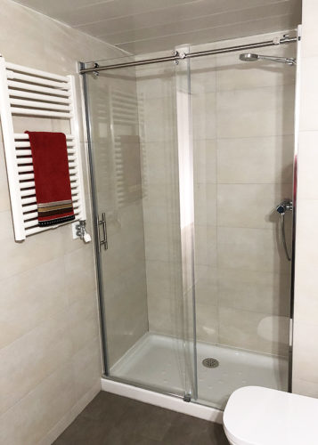 Mampara de ducha de 1 puerta corredera y 1 Fijo JV/FDC800 photo review