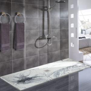 Plato de ducha de resinas con aspecto imitación al marmol